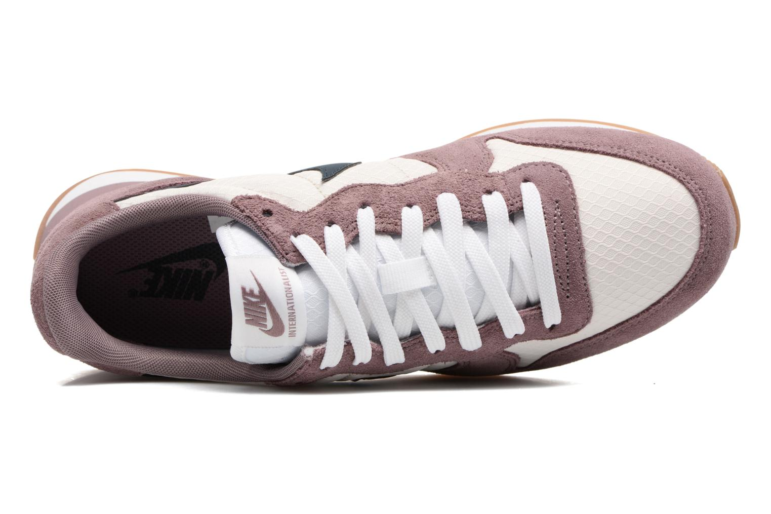 Sneaker Nike Wmns Internationalist lila ansicht von links