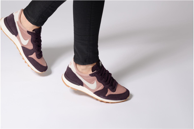 Baskets Nike Wmns Internationalist Gris vue bas / vue portée sac