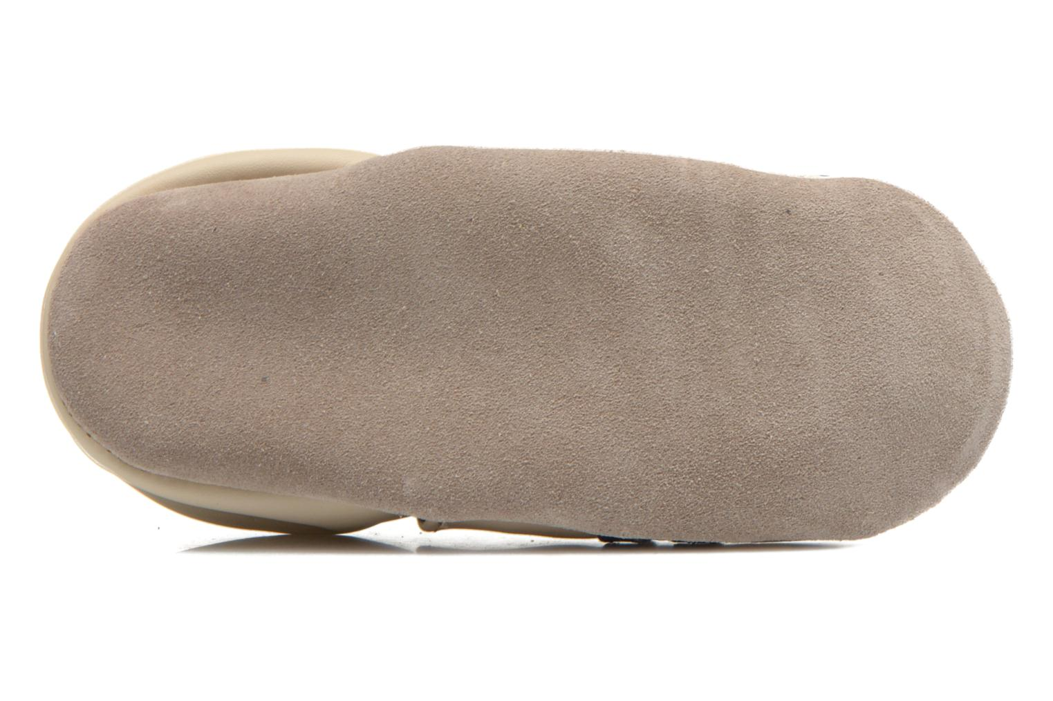Slippers Robeez Racing Car Beige view from above