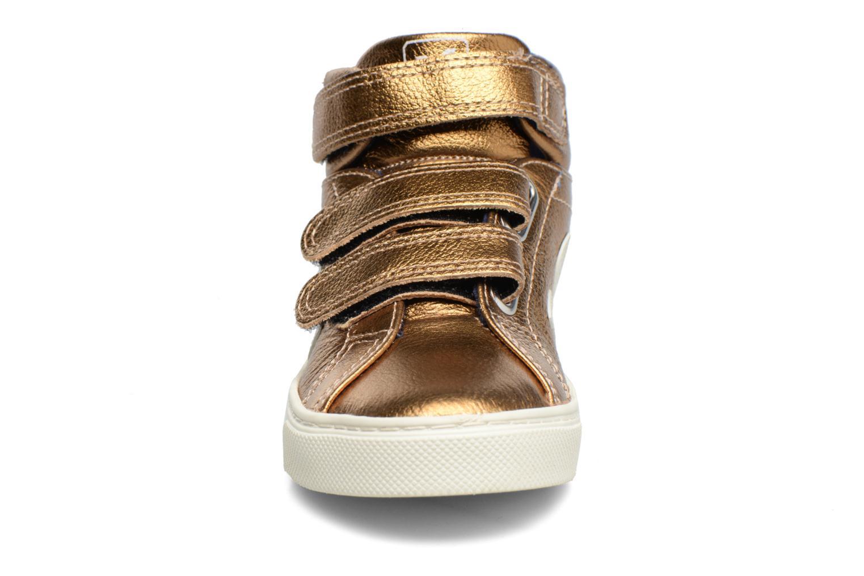 Baskets Veja Esplar Mid Small Velcro Or et bronze vue portées chaussures