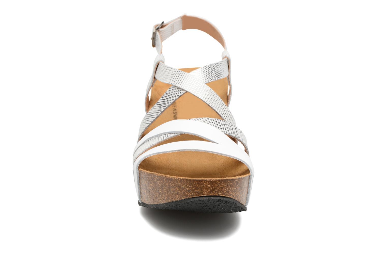 Sandales et nu-pieds Plakton So song Blanc vue portées chaussures