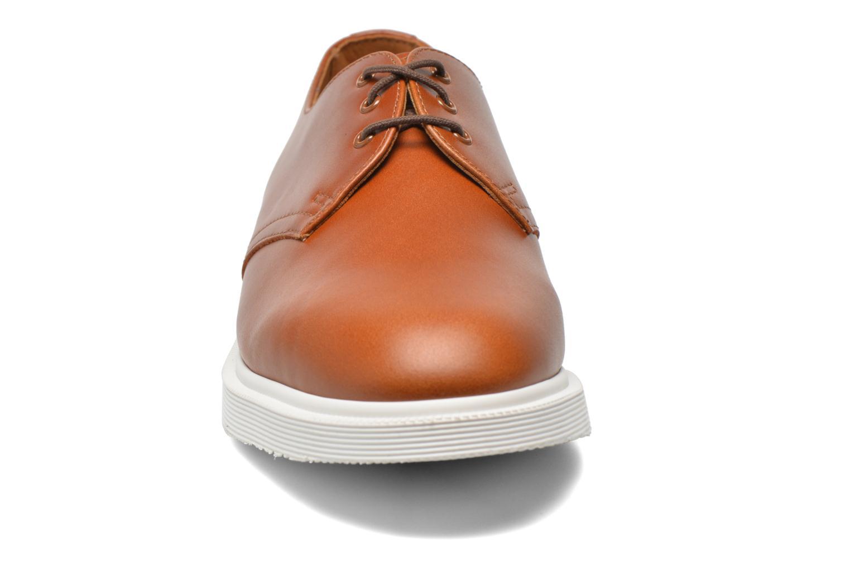 Chaussures à lacets Dr. Martens Torriano AA48 Marron vue portées chaussures