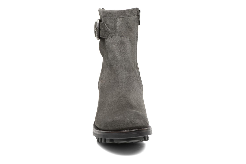 Bottines et boots Free Lance Justy 7 Small Gero Buckle Gris vue portées chaussures