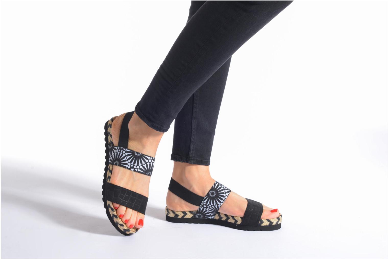 Sandales et nu-pieds Desigual SHOES_ FORMENTERA Noir vue bas / vue portée sac