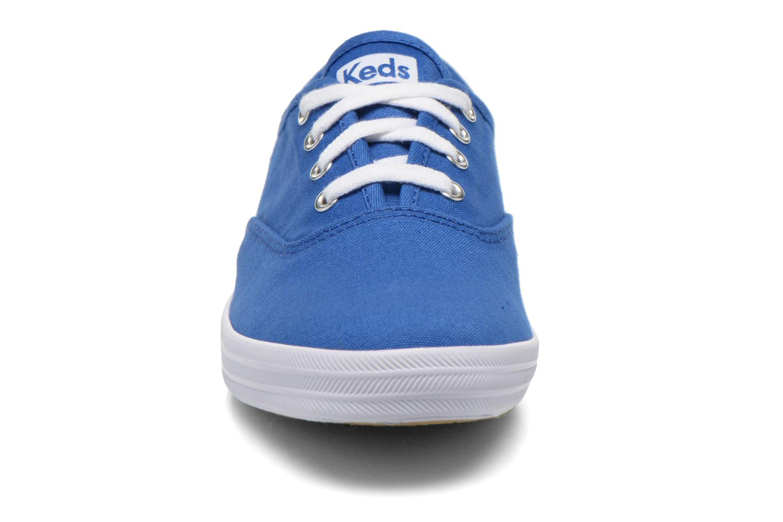 Sneakers Keds Champion CVO W Azzurro modello indossato