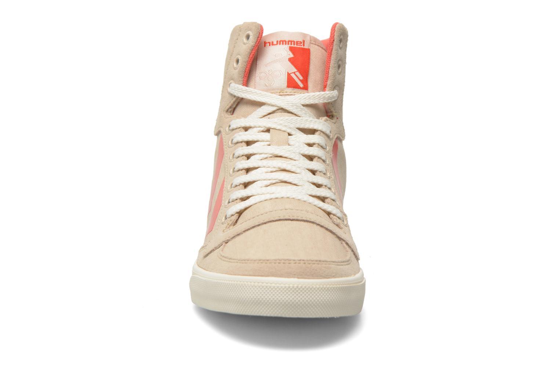 Baskets Hummel Ten Star Smooth Hi Beige vue portées chaussures