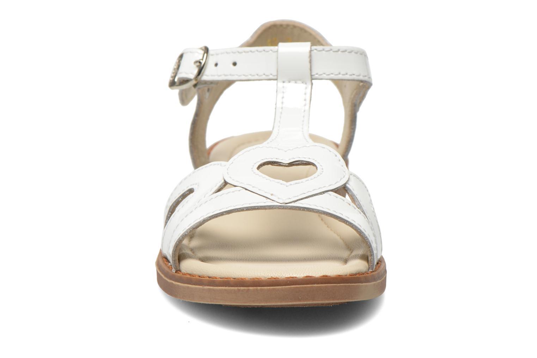 Sandalen Aster Tchania weiß schuhe getragen