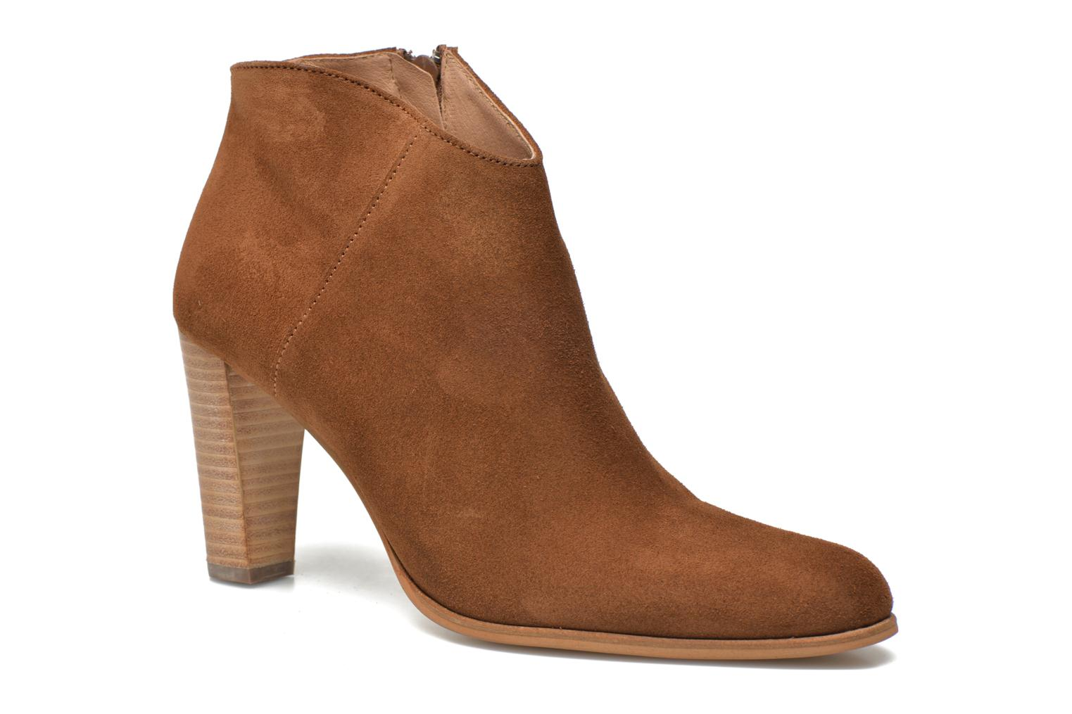 Ankle boots Muratti Angel Brown detailed view/ Pair view