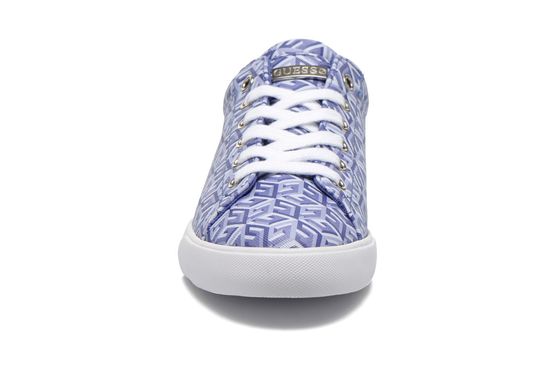 Baskets Guess Maegan Bleu vue portées chaussures