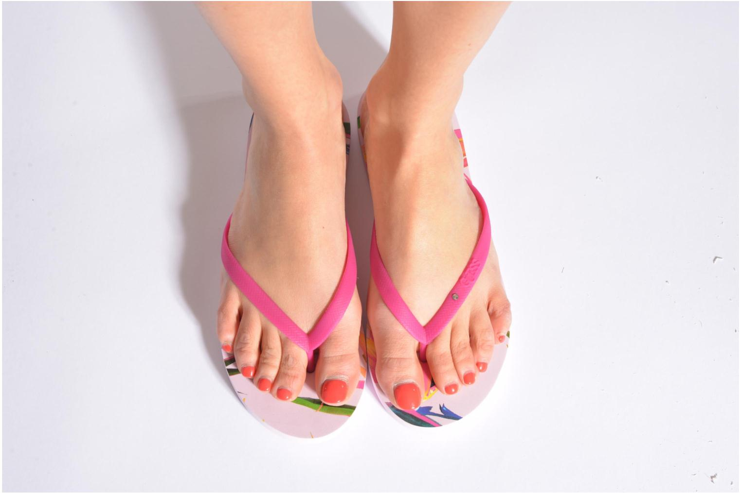 Flip flops Guess Rub Pink view from underneath / model view