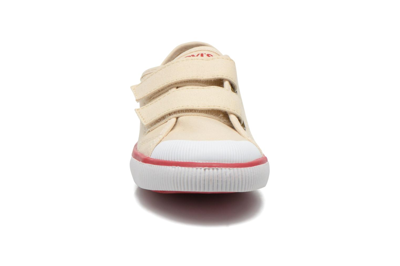 Baskets Levi's Gozilla Beige vue portées chaussures