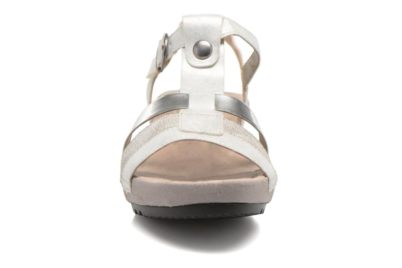 Sandales et nu-pieds Remonte Lou R5757 Gris vue portées chaussures