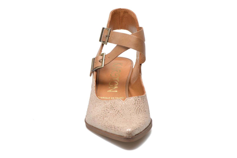 Zapatos de tacón Karston Kzola Beige vista del modelo