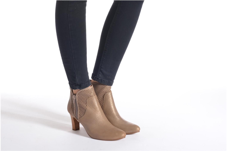 Stiefeletten & Boots Karston Avina gold/bronze ansicht von unten / tasche getragen