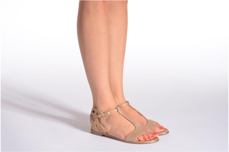 Sandales et nu-pieds Karston Sonat Beige vue bas / vue portée sac