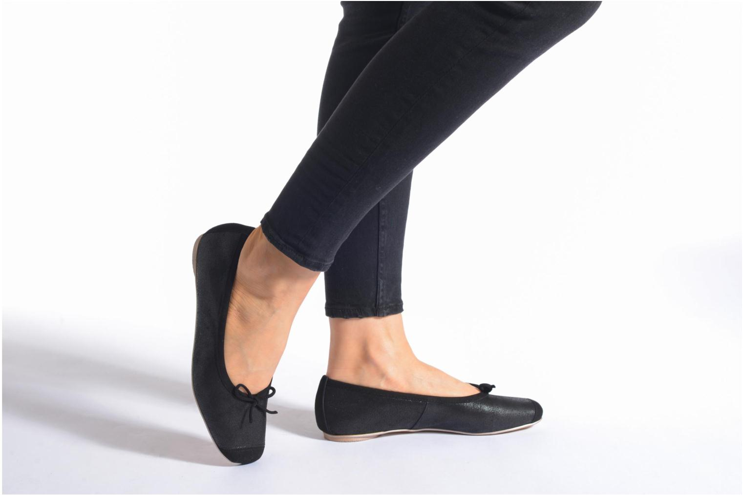 Ballet pumps Karston Rebeca Black view from underneath / model view