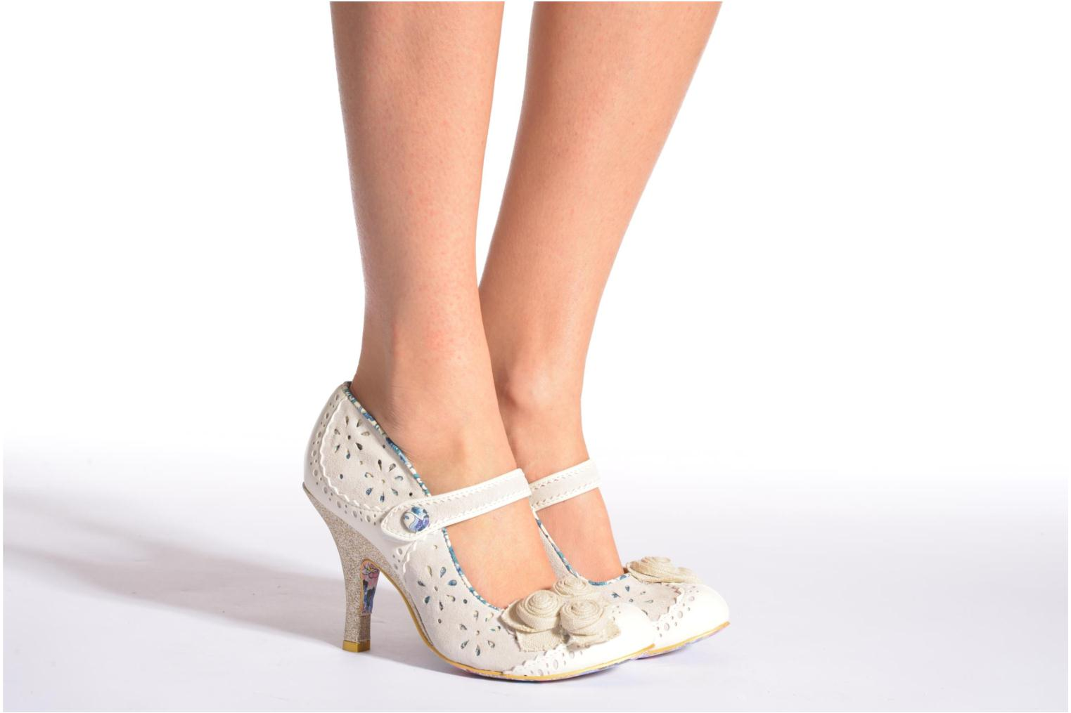 High heels Irregular choice Echo Beige view from underneath / model view