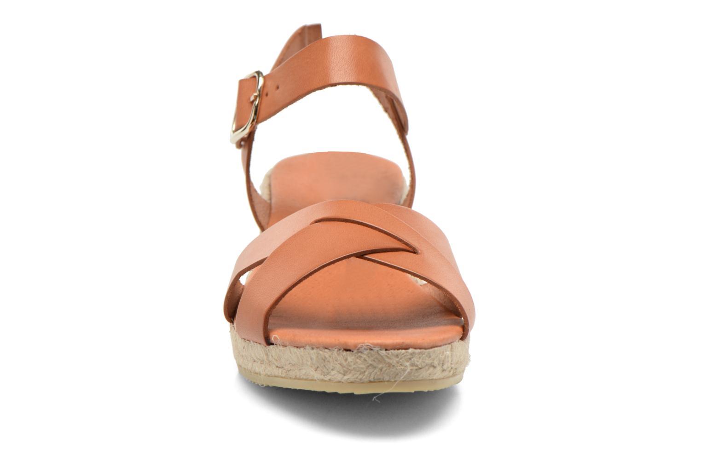 Sandales et nu-pieds Georgia Rose Inof Marron vue portées chaussures