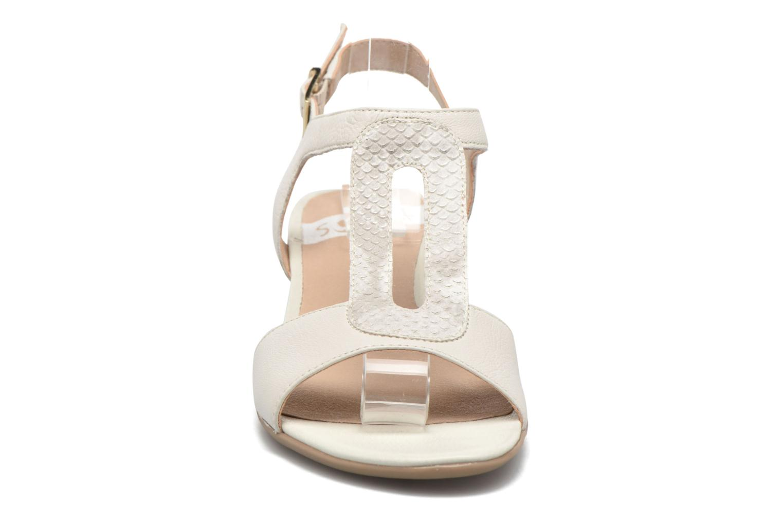 Sandales et nu-pieds Sweet Chenel Blanc vue portées chaussures