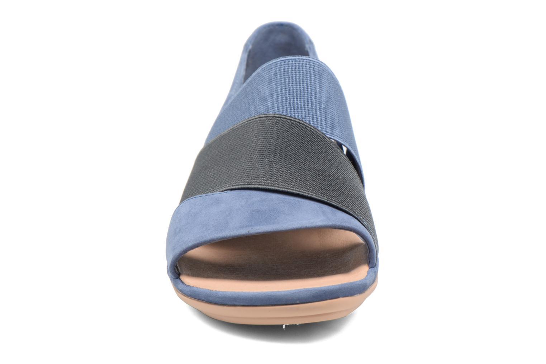 Sandalias Camper Right Nina K200142 Azul vista del modelo