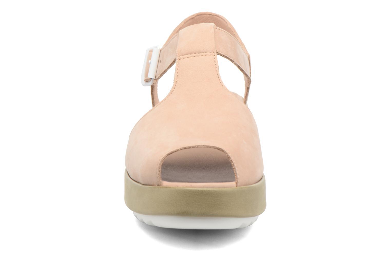 Sandales et nu-pieds Camper Dessa K200083 Beige vue portées chaussures