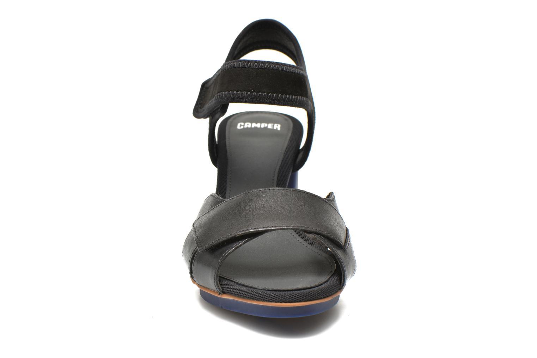 Sandales et nu-pieds Camper Myriam 22534 Noir vue portées chaussures