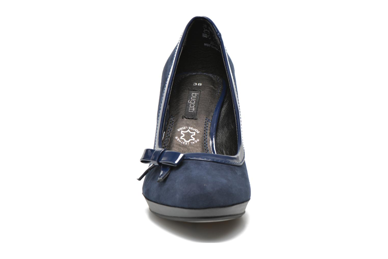 Escarpins Bugatti Isabella W6679-6V Bleu vue portées chaussures