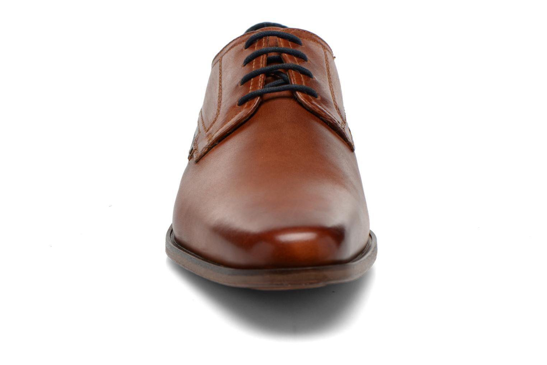 Chaussures à lacets Bugatti Villano 311-15601 Marron vue portées chaussures