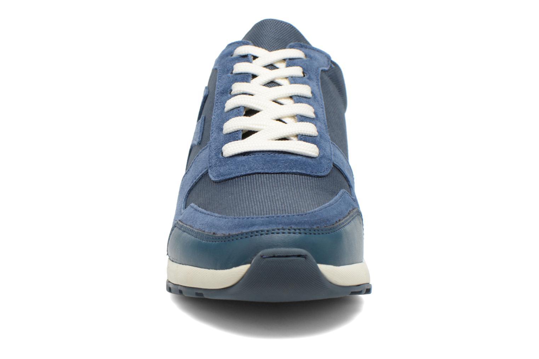 Baskets Kickers NIELO Bleu vue portées chaussures