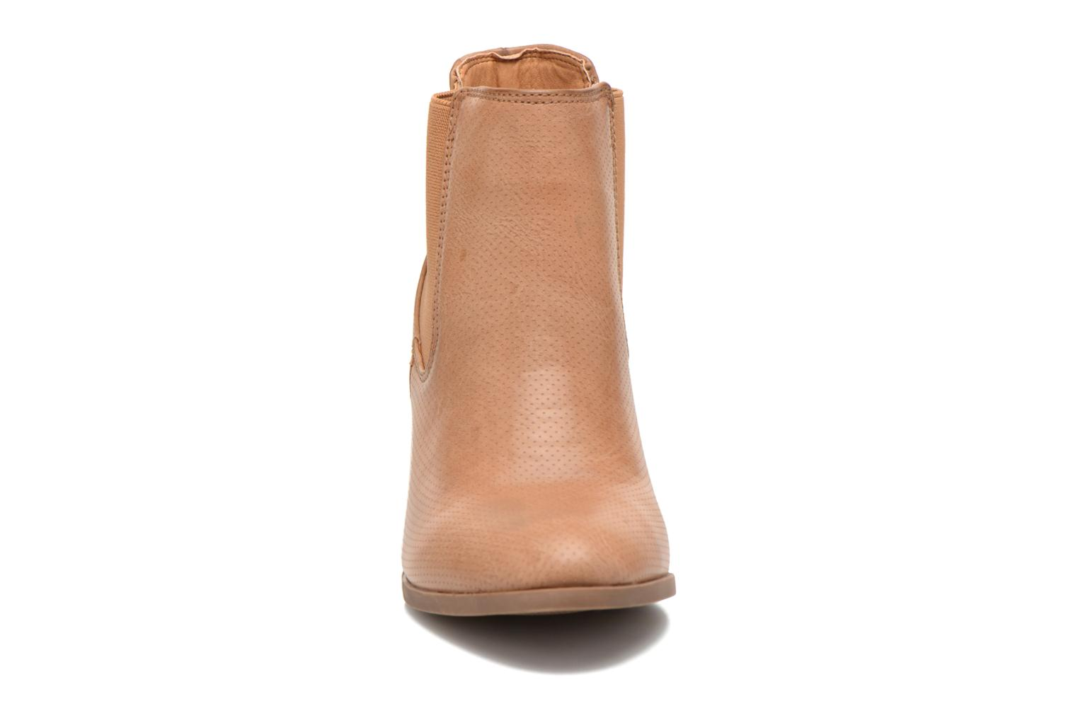 Ankle boots Xti Mila 45011 Brown model view