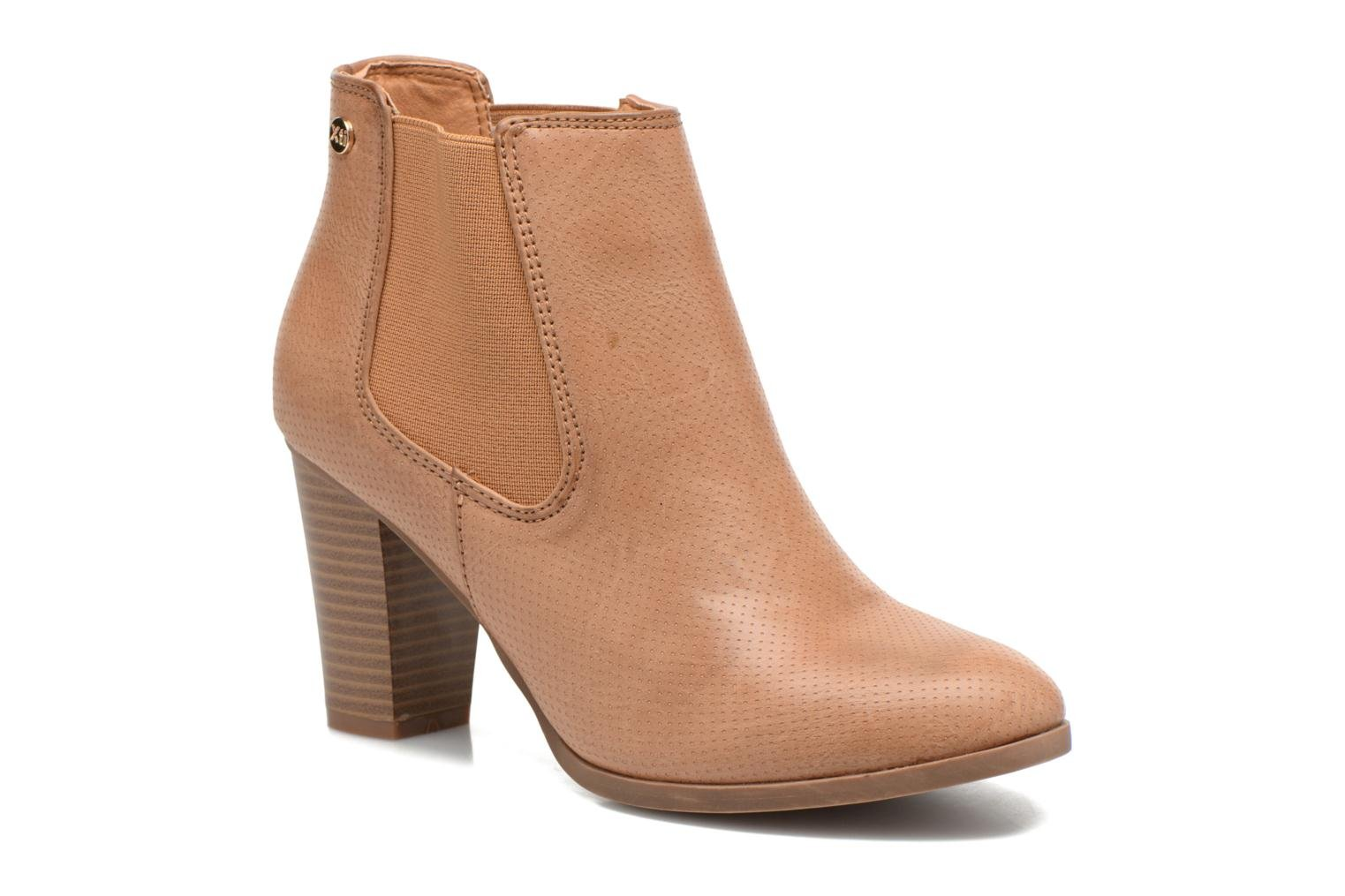 Ankle boots Xti Mila 45011 Brown detailed view/ Pair view