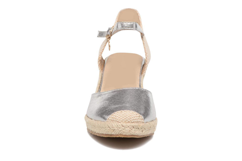 Sandales et nu-pieds Xti Brownie 45061 Argent vue portées chaussures