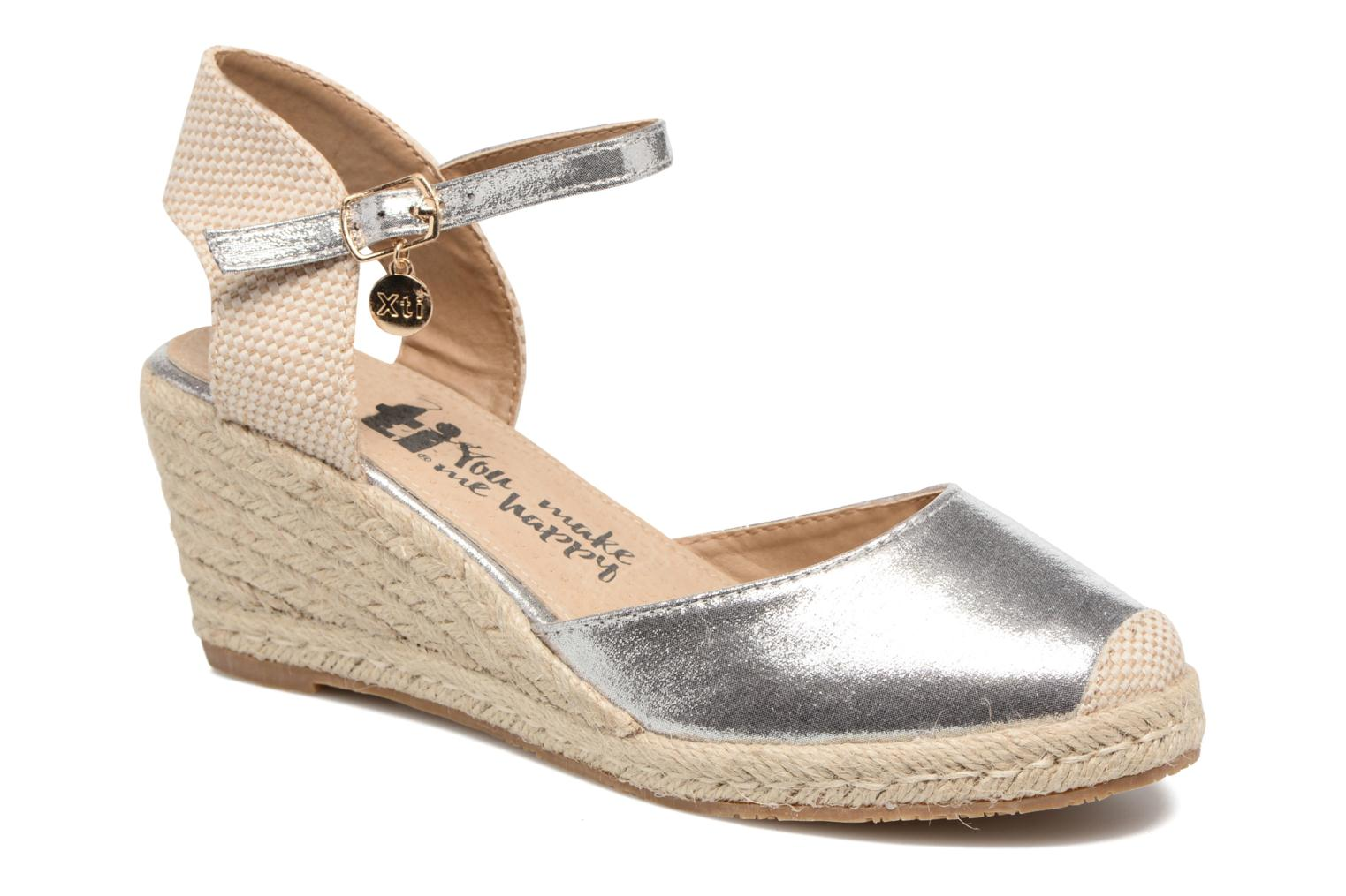 Sandals Xti Brownie 45061 Silver detailed view/ Pair view