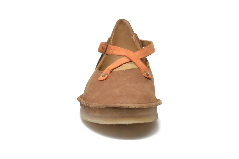 Ballerines Kickers Mysticross Marron vue portées chaussures
