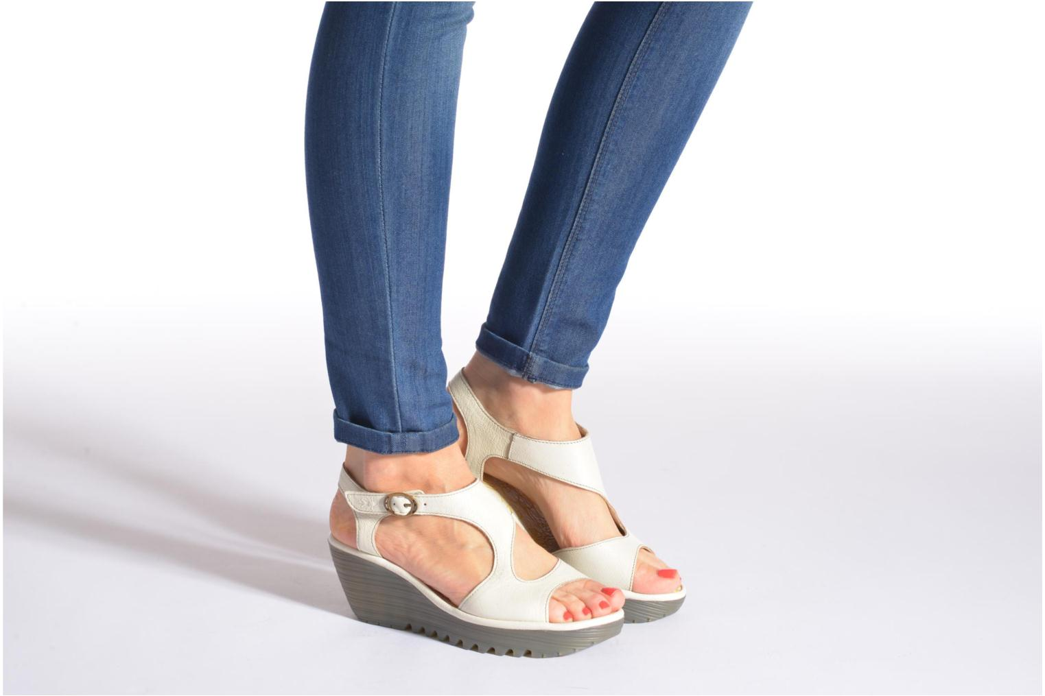 Sandals Fly London Yanca White view from underneath / model view