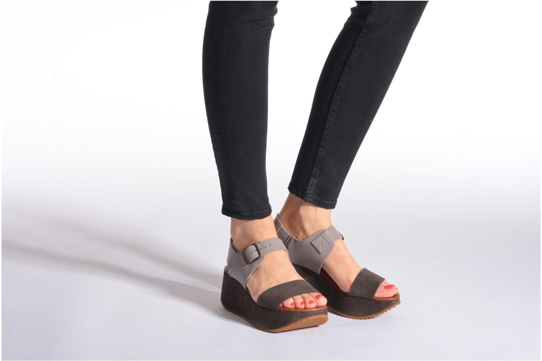 Sandales et nu-pieds Chie Mihara Devagar Gris vue bas / vue portée sac
