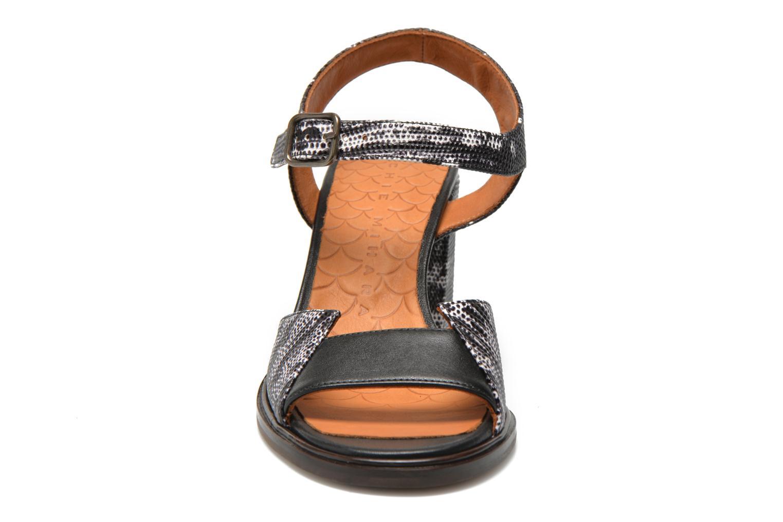 Sandales et nu-pieds Chie Mihara Ulisa Multicolore vue portées chaussures