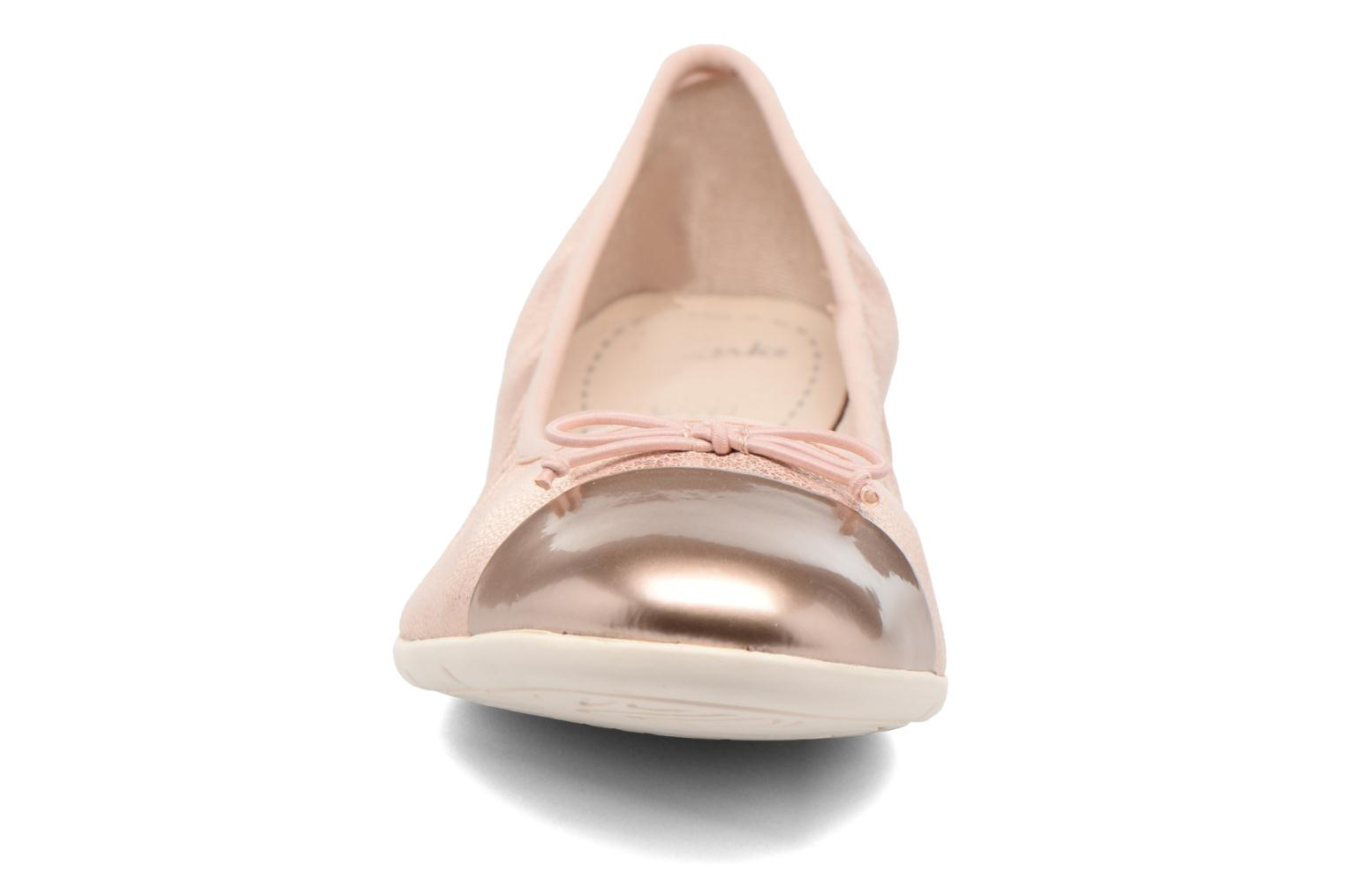 Ballet pumps Clarks Dance Puff Jnr Pink model view