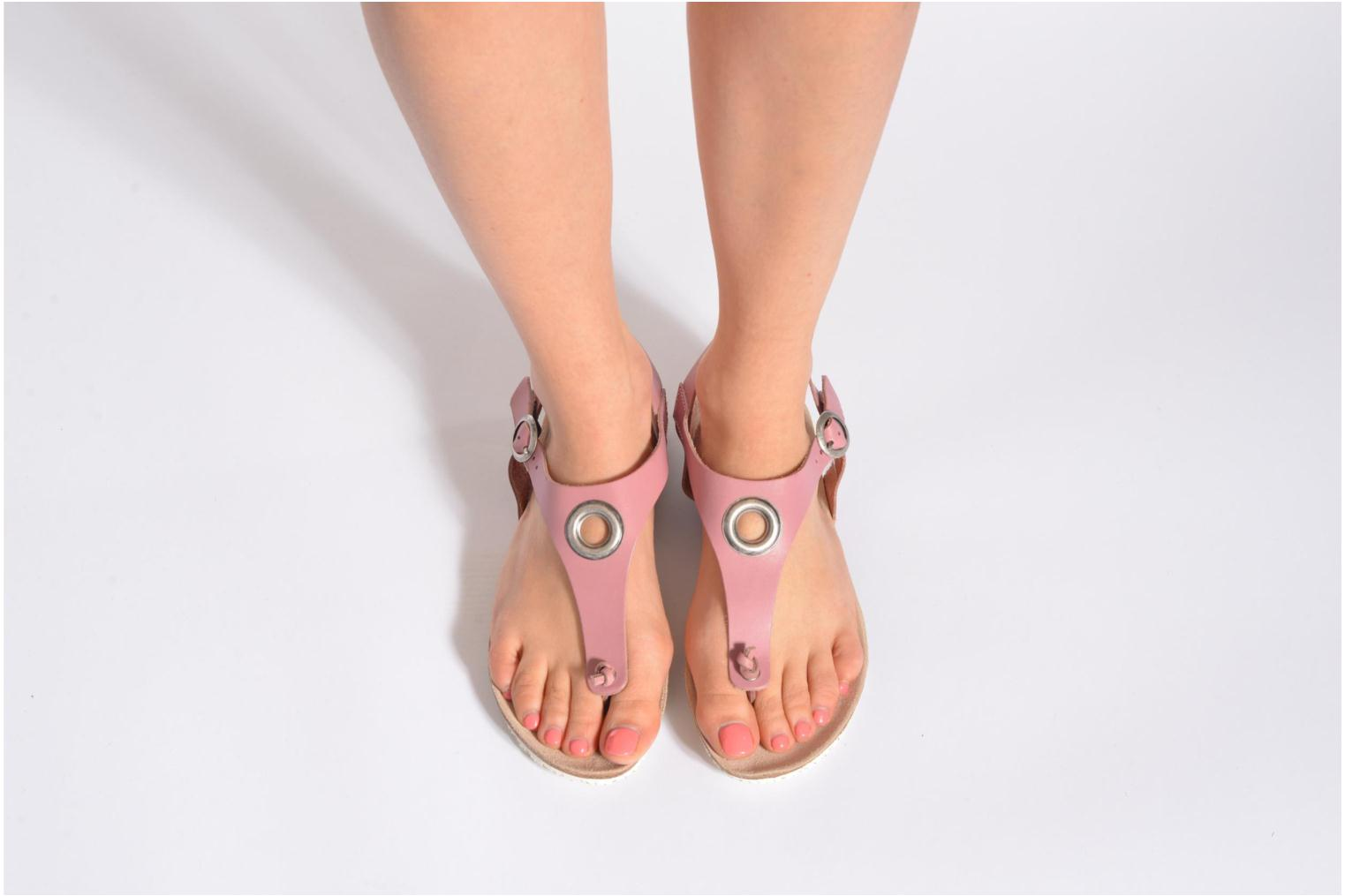 Sandals TBS Inayah Black view from underneath / model view