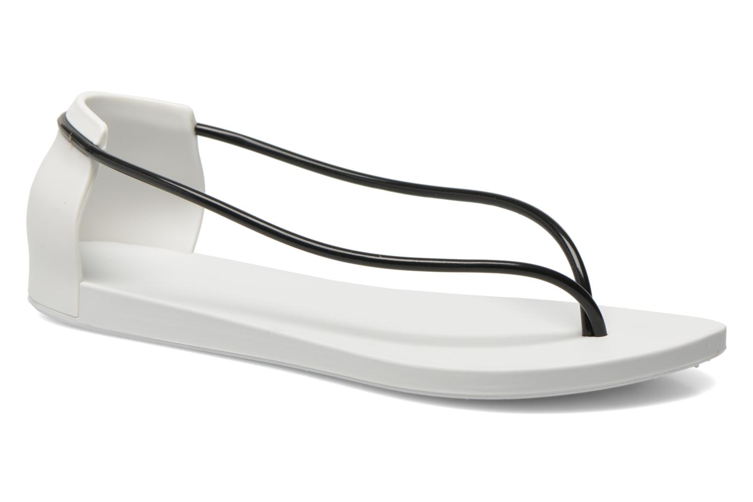 Sandals Ipanema Philippe Starck Thing N Fem White detailed view/ Pair view