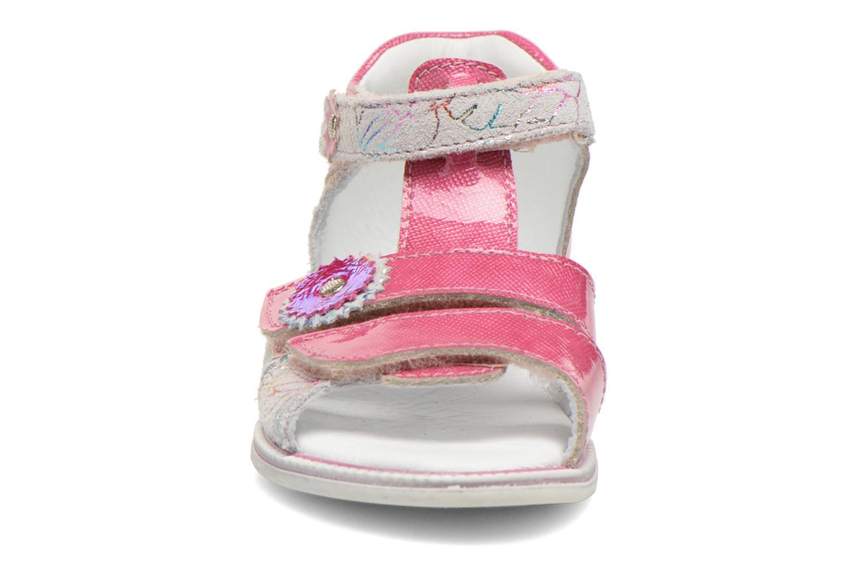Sandalen GBB Maelys rosa schuhe getragen