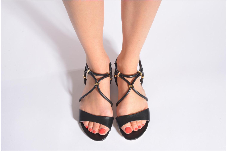 Sandales et nu-pieds COSMOPARIS Clira Noir vue bas / vue portée sac