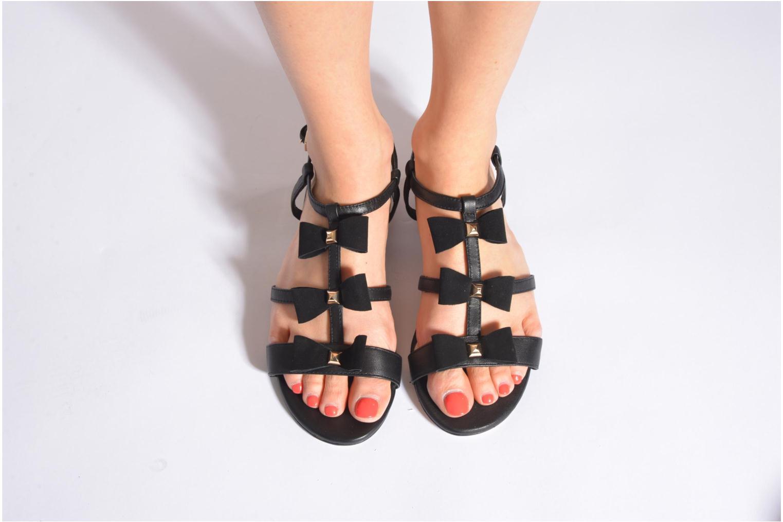 Sandales et nu-pieds COSMOPARIS Hilee Noir vue bas / vue portée sac
