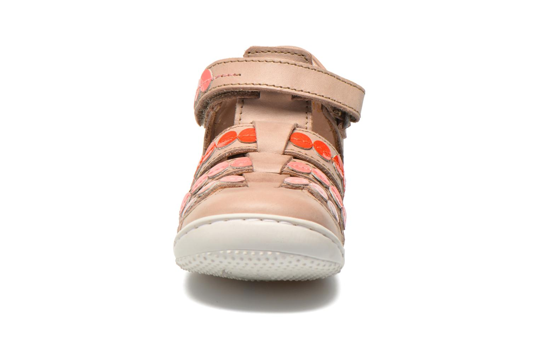 Sandalen Kickers Gift Kids beige schuhe getragen