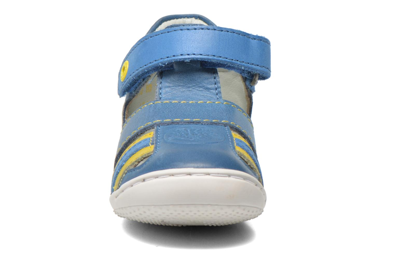 Sandales et nu-pieds Kickers Glups Bleu vue portées chaussures