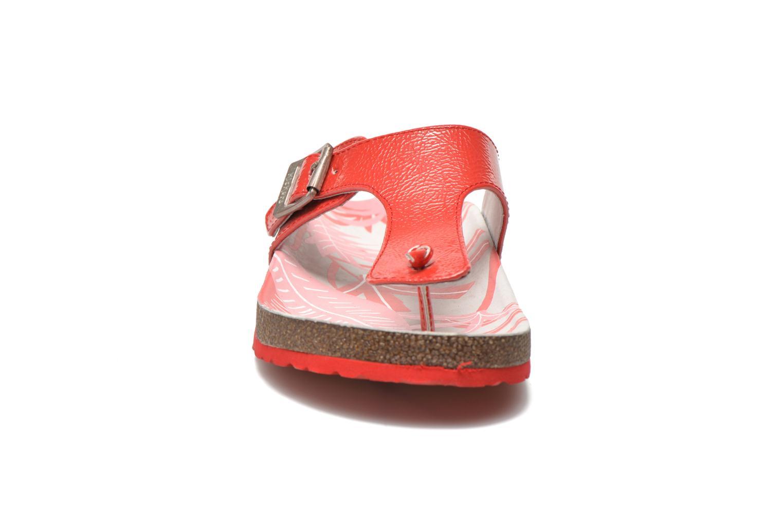 Zehensandalen Kickers Magnestor rot schuhe getragen