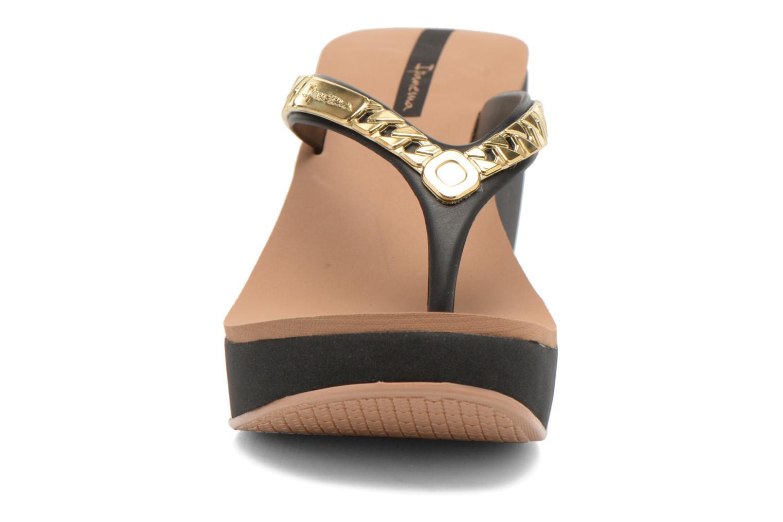 Tongs Ipanema Lipstick Chains Noir vue portées chaussures