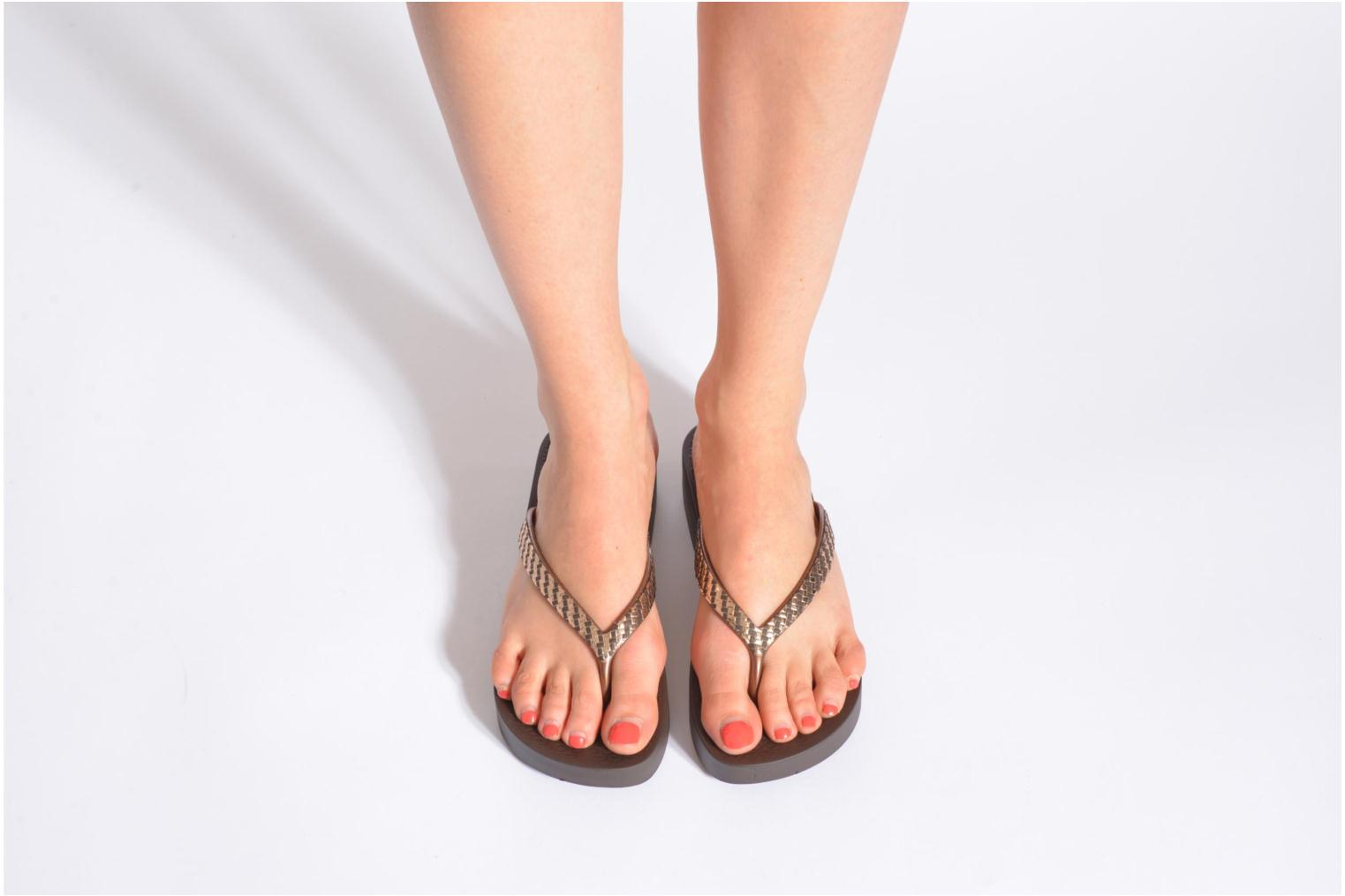 Flip flops Ipanema Mesh Plat Black view from underneath / model view