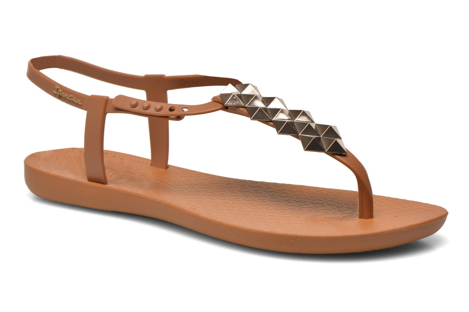 Sandals Ipanema Charm III Sandal Brown detailed view/ Pair view