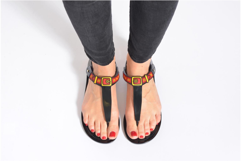 Sandalen Love Moschino Bouclette schwarz ansicht von unten / tasche getragen